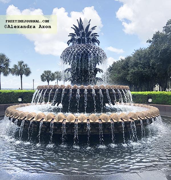 CharlestonPineappleFountain-SC